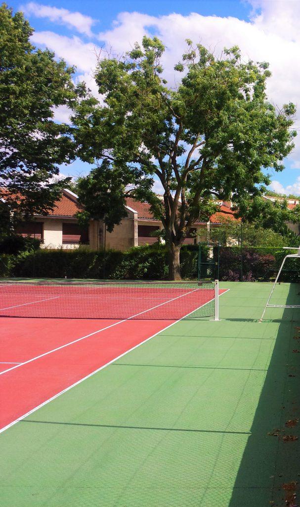 Cours de tennis aux Hameaux