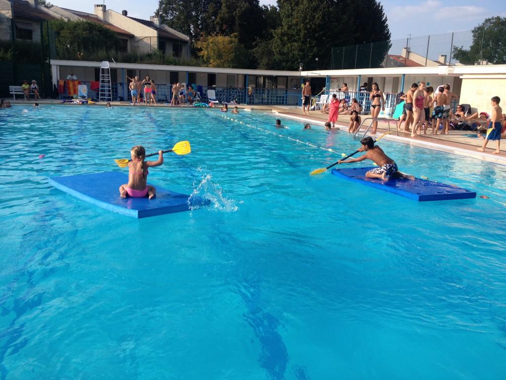 La piscine privée, bassin 50 mètres, pataugeoire avec plage cloturée, chauffés, ouverture mi-mai à mi-septembre