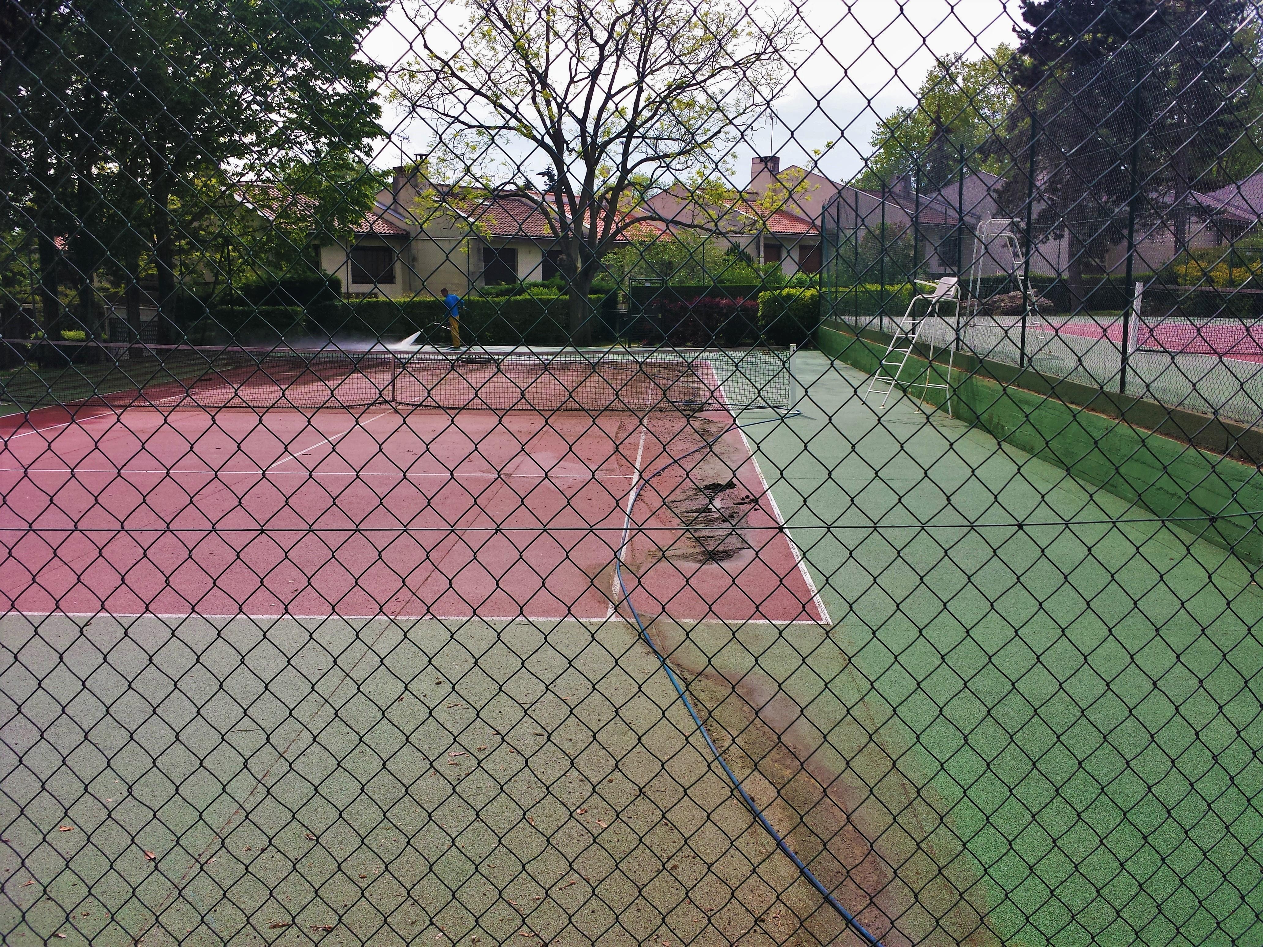 2017-05 nettoyage terrain de tennis